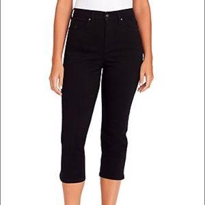 Gloria Vanderbilt Black Ashley Capri Jeans 8P
